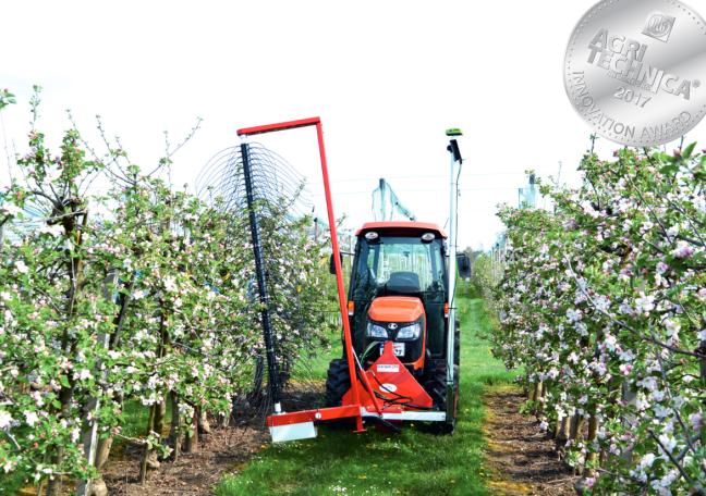 Fruit-Tec Darwin SmaArt munka közben intenzív almásban